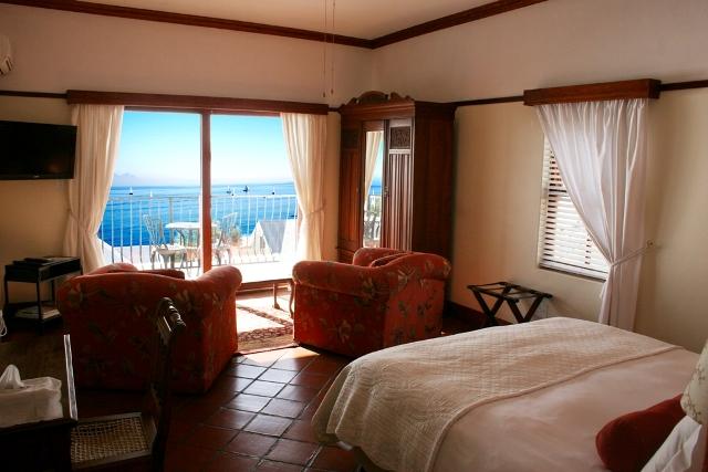Berg-en-Zee-Guesthouse-Gordons-Bay-Room-3
