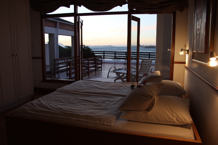 Villa-Sunset-Beach-Self-Catering-Accommodation-033