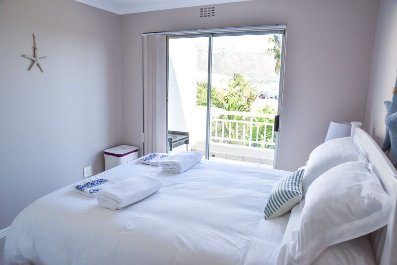 Sea And Mountain View Apartment Gordons Bay Accommodation